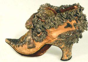 Примерно так выглядит каблук Людовика