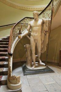 статуя обнаженного Наполеона, Эпсли-хаус,, Гайд-парк
